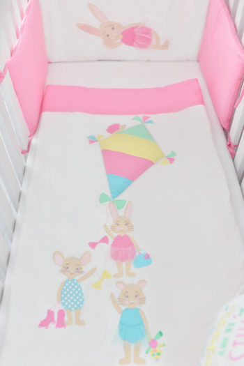 hímzett papírsárkányos rózsaszín ágytakaró, Pink Prank, tiszta pamut
