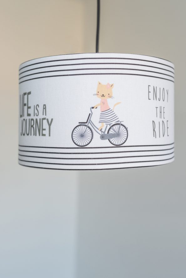 lámpa cicás